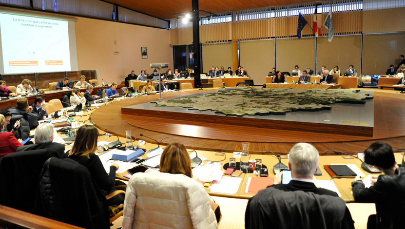 L'Assemblée départementale lors d'une séance plénière