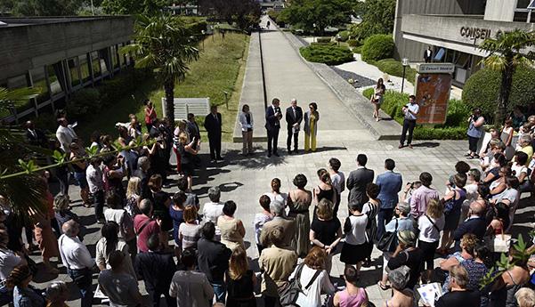 Cérémonie d'hommage aux victimes de l'attentat de Nice, lundi 18 juillet à 12h sur le parvis du Conseil départemental à Evry