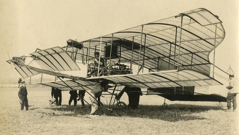 Les premiers essais d'aéroplanes sur l'aérodrome de Port-Aviation à Viry-Chatillon (juin 1909)