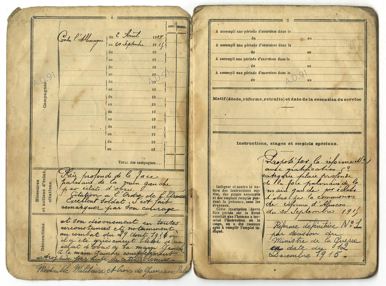 3 - Livret militaire d'André Larcher. (032NUM019/002)