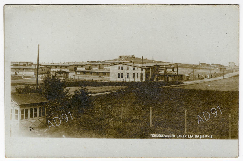 4 - Vue du camp de prisonniers de Lauban, 1914-1915. (032NUM045/004)