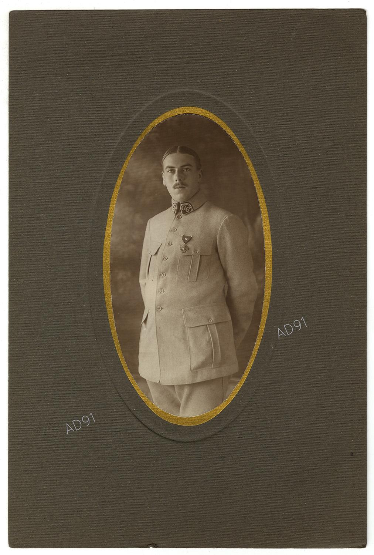 13 - Portrait de Marcel Larcher, photographie. (032NUM019/021)