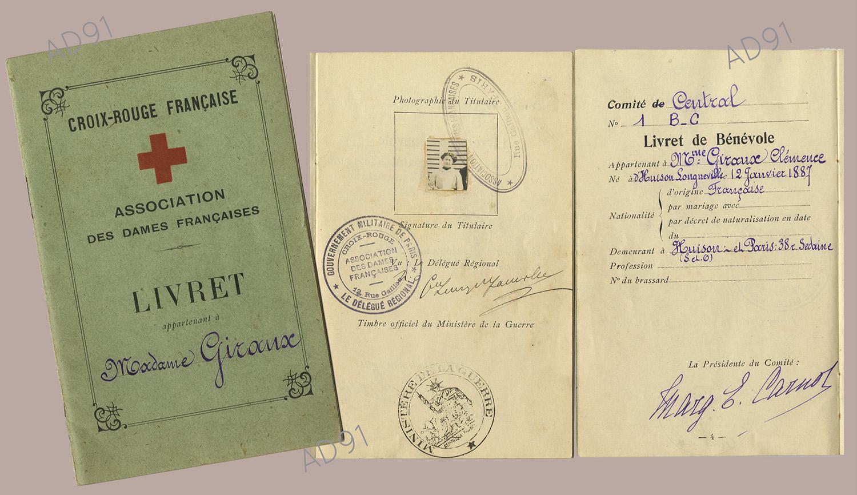 15 - Livret de la Croix-Rouge appartenant à Mme Clémence Giraux. (032NUM048/065)
