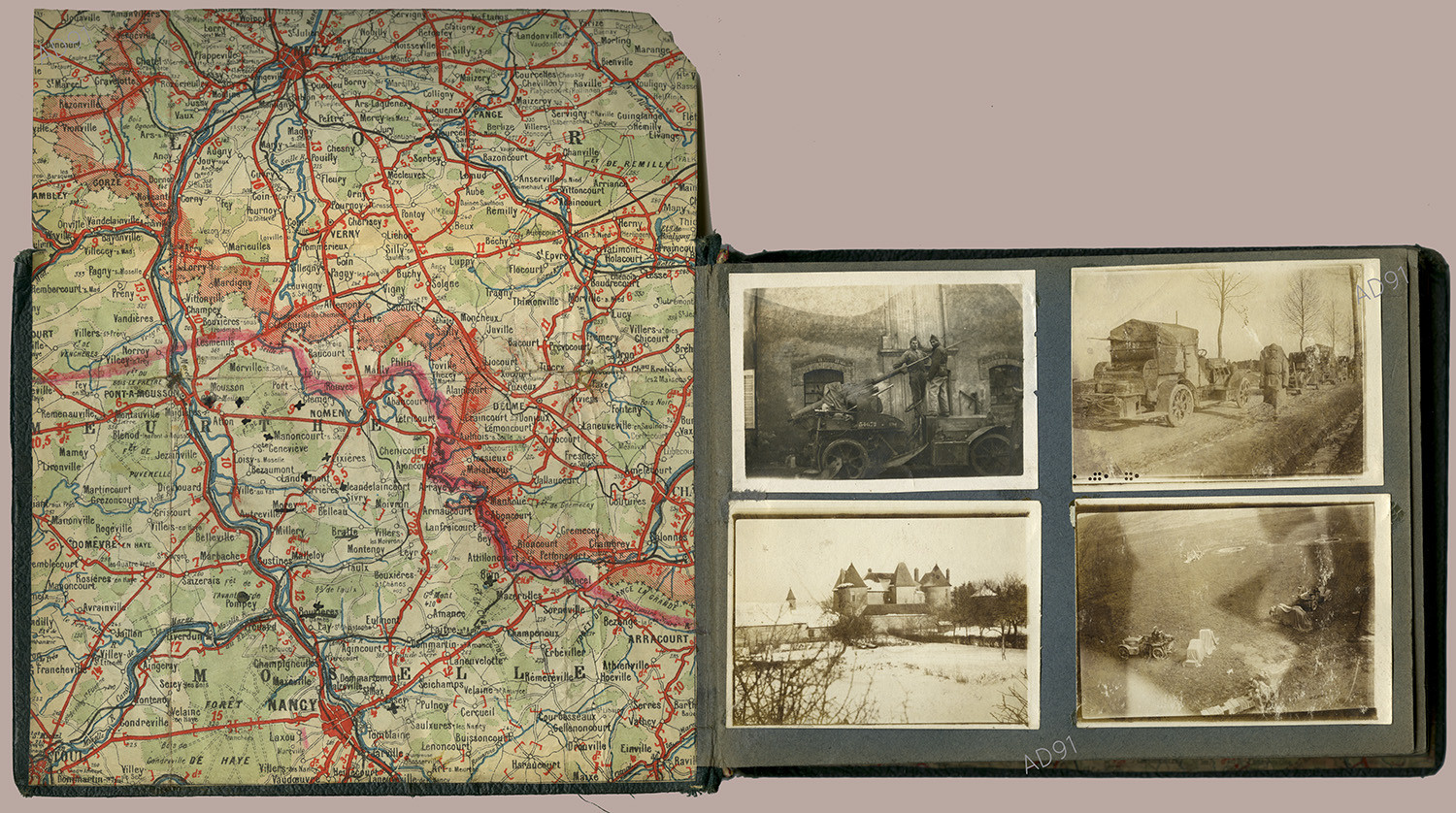 16 - Album photographique, [v.1917-1918]. (032NUM019/023)